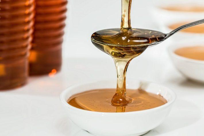 Honey for damaged skin