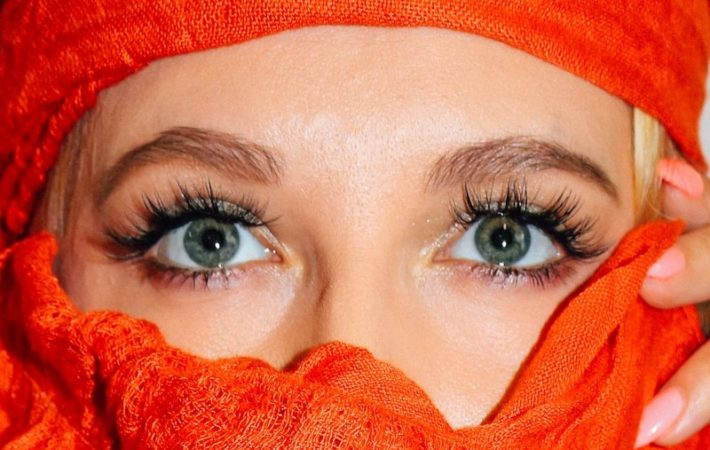 Semi-permanent lashes at home
